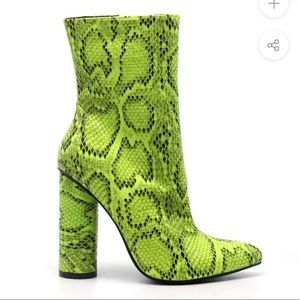 CAPE ROBBIN Faux Snake Ankle Boots | Size 6